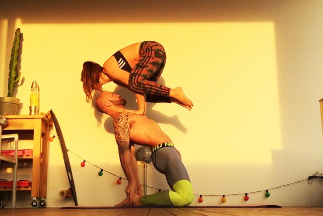 Yoga-acrobatico-ale-paolo-zotter-cover