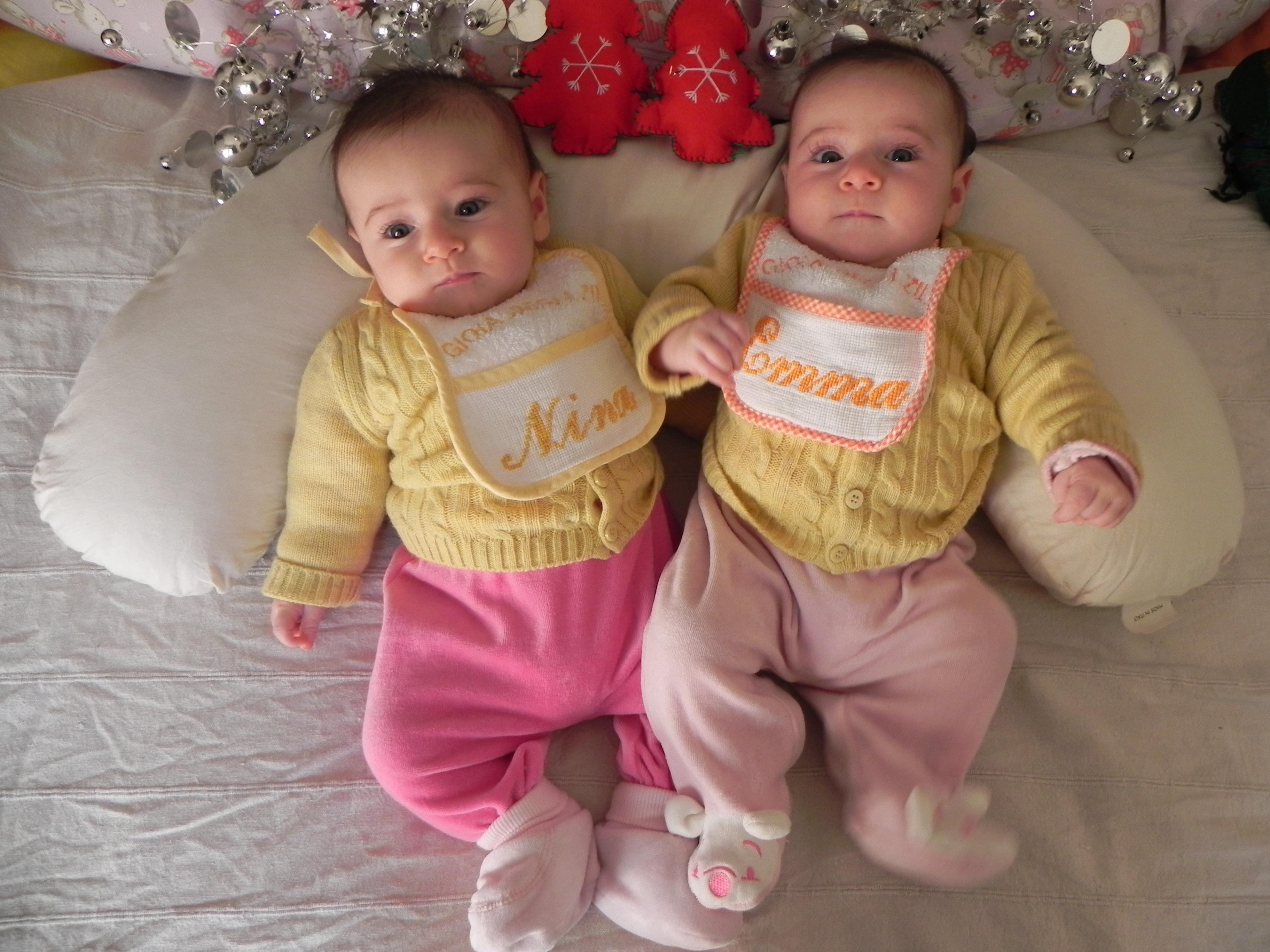 Piccoli trucchi per fotografare i gemelli in maniera - Gemelli diversi foto ricordo ...